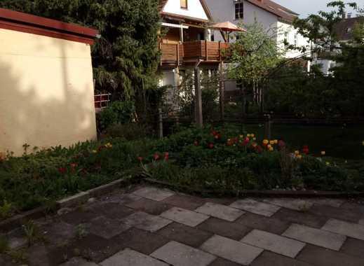 WG- Zimmer im netten Einfamilienhaus mit Garten !