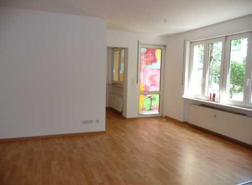 Attraktive 2-Zimmer-Wohnung mit großem Hobbyraum im Souterrain + Balkon in Schöneiche bei Berlin