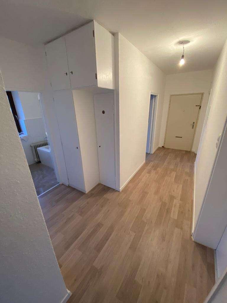 Frisch renoviert! Zentrale und dennoch ruhige 4-Zimmer-Wohnung in