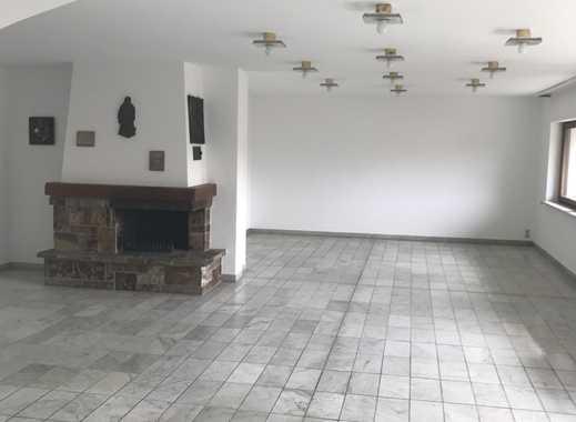 Großzügige Wohnung zu vermieten