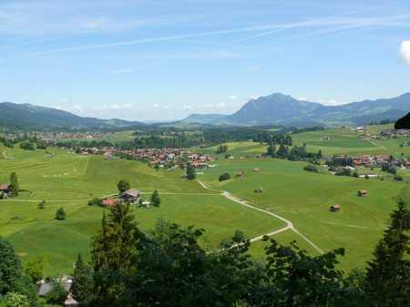 Vorankündigung: Vollständig renovierte 2-Zimmer Wohnung mit Balkon und Bergblick in Obermaiselstein in Obermaiselstein