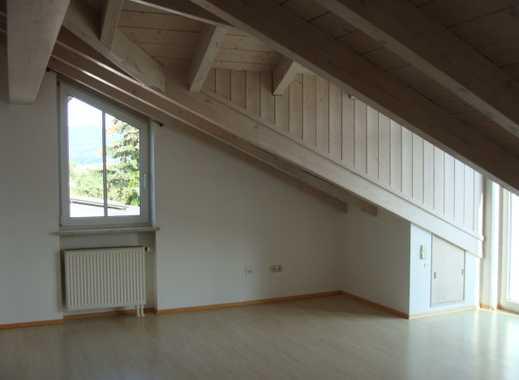 Neuwertige 2-Zimmer-Maisonette-Wohnung mit Balkon in Deggendorf