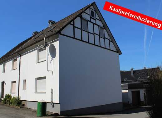 Ruhig und zentral gelegen: Doppelhaushälfte mit Balkon und Garage in Bad Laasphe-Banfe