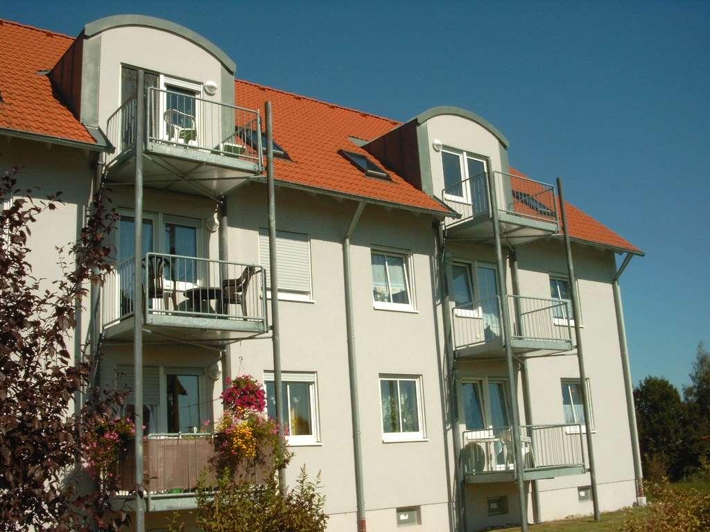 Helle 3-Zimmer-Wohnung mit Balkon in Waldsassen