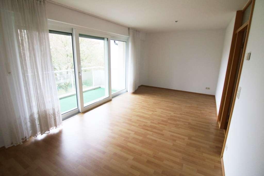 2 Zimmer Wohnung mit großem Balkon und Blick ins Grüne in Rückersdorf (Nürnberger Land)