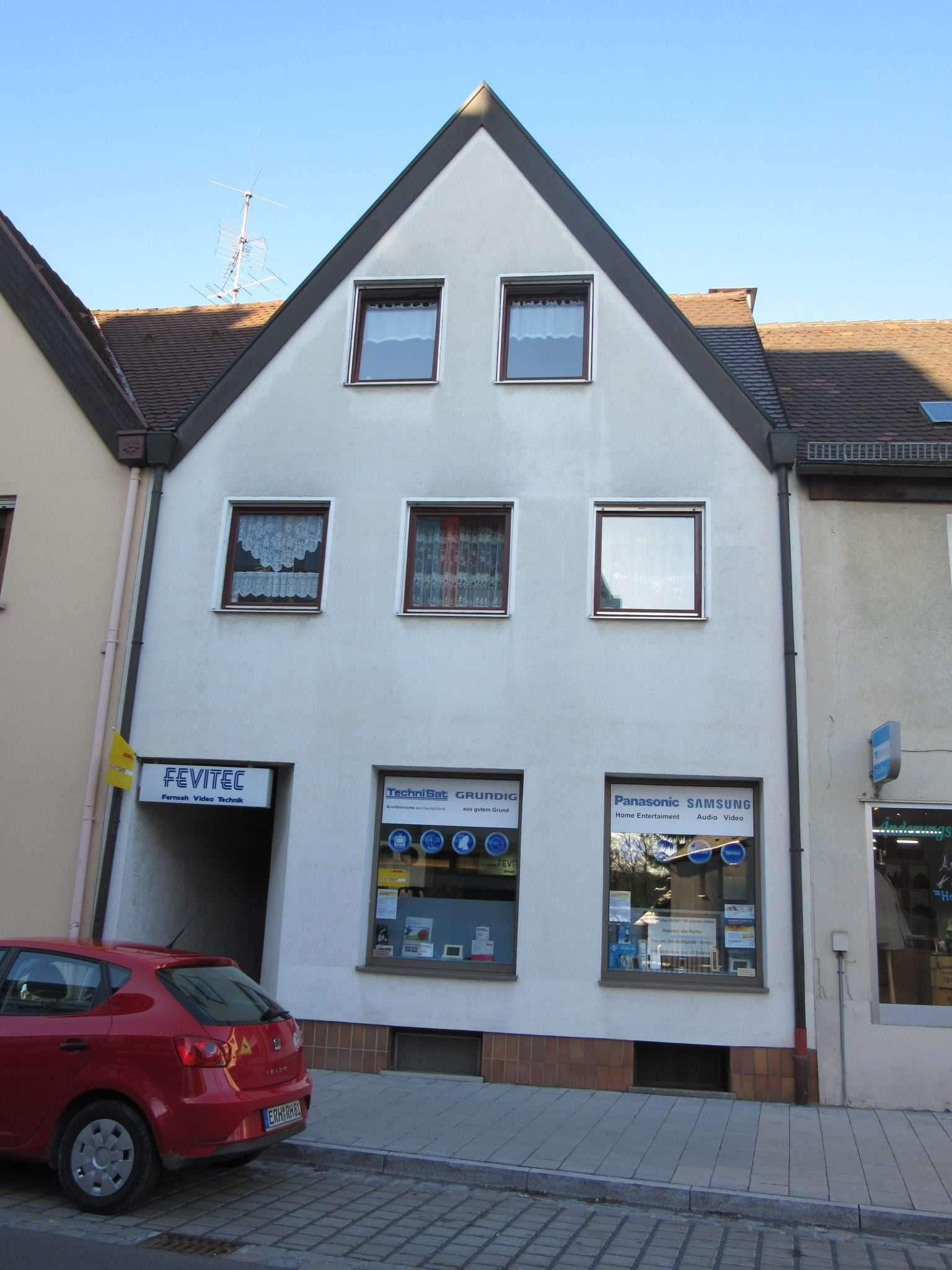 Gepflegte 2 - Zimmer Wohnung mit Balkon in Herzogenaurach in zentraler Lage. Vermietung an 1 Person in Herzogenaurach