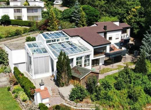 Herrliche Villa! In beliebter Wohnlage umgeben von großem Gartengrundstück