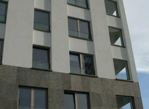 Aussergewöhnliche 3,5-Zimmer Wohnung mit Balkon und Luxus-EBK im Isartower Süd!