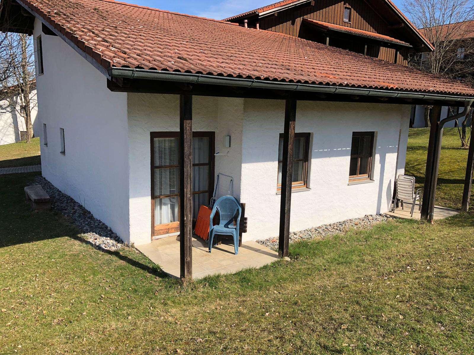 Gepflegte 2-Zimmer-Terrassenwohnung möbliert befristeter 1 Jahr in Waldkirchen/Reutmühle