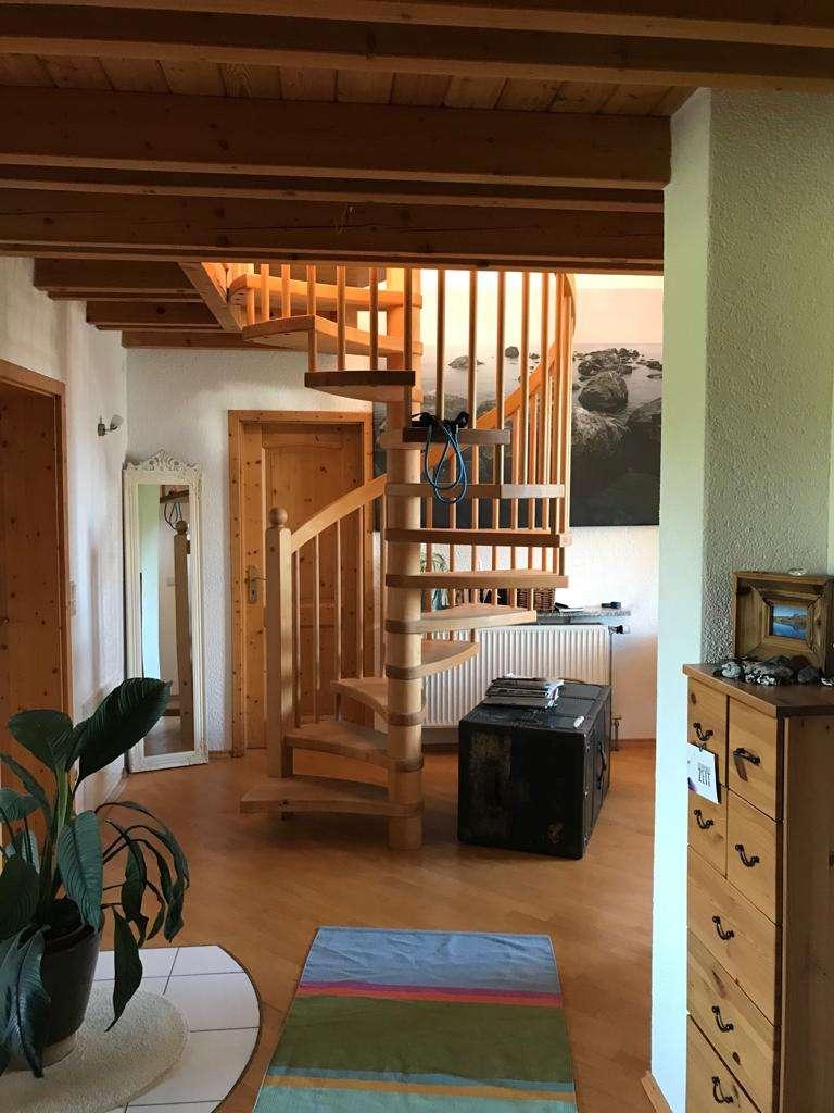 Wunderschöne 74 m² Maisonettewohnung mit Einbauküche, Loggia, Garage und Carport in Großheirath