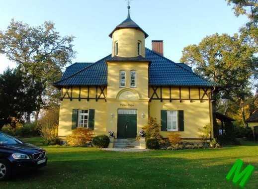 + Maklerhaus Stegemann + repräsentative Villa mit Privatweg zum Malchiner See