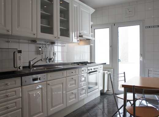 Schöne 3-Zimmer-Wohnung mit Balkon komplett möbliert!