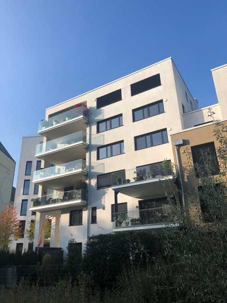 Luxus 3,5-Zimmer Neubau-Whg im Grünen und mitten in Landshut in Nikola