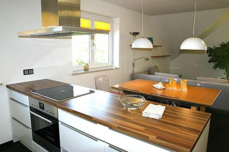 Ideal für Freiberufler und Familien: Vollständig möblierte Wohnung  in Zweifamilienhaus