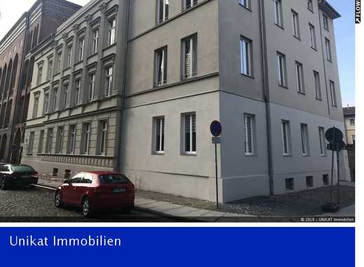Erstbezug! 3-Raumwohnung mit neuer Einbauküche und Aufzug  im Zentrum der Altstadt