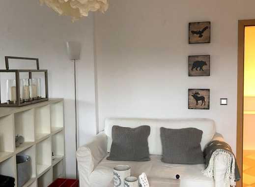 Helle Dachgeschoss Wohnung in Eller, mit Einbauküche & Waschmaschine, möbliert