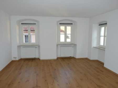 Tip-top, hell und großzügig: obere Etage in schönem  Altstadthaus (Laden im EG): 3ZKB, etc.! Frei! in Burglengenfeld