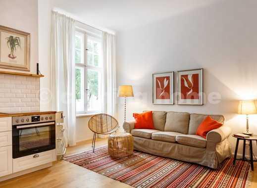 Nice living: Schöne Altbauwohnung mit zwei Schlafzimmern in ruhiger Hoflage Nähe Schloßstr.