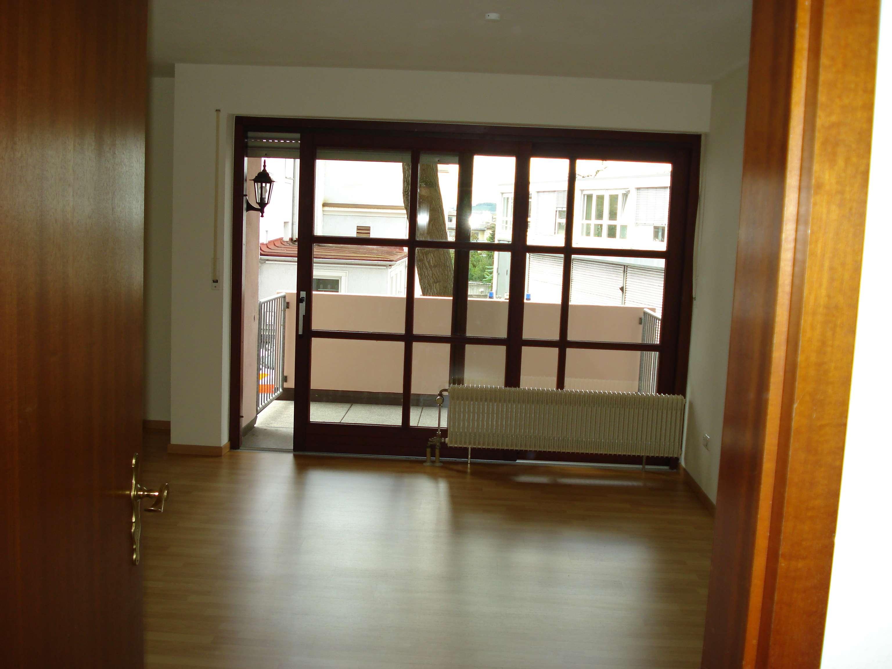 Kleine 2-ZW mit Balkon im unteren Frauenland!
