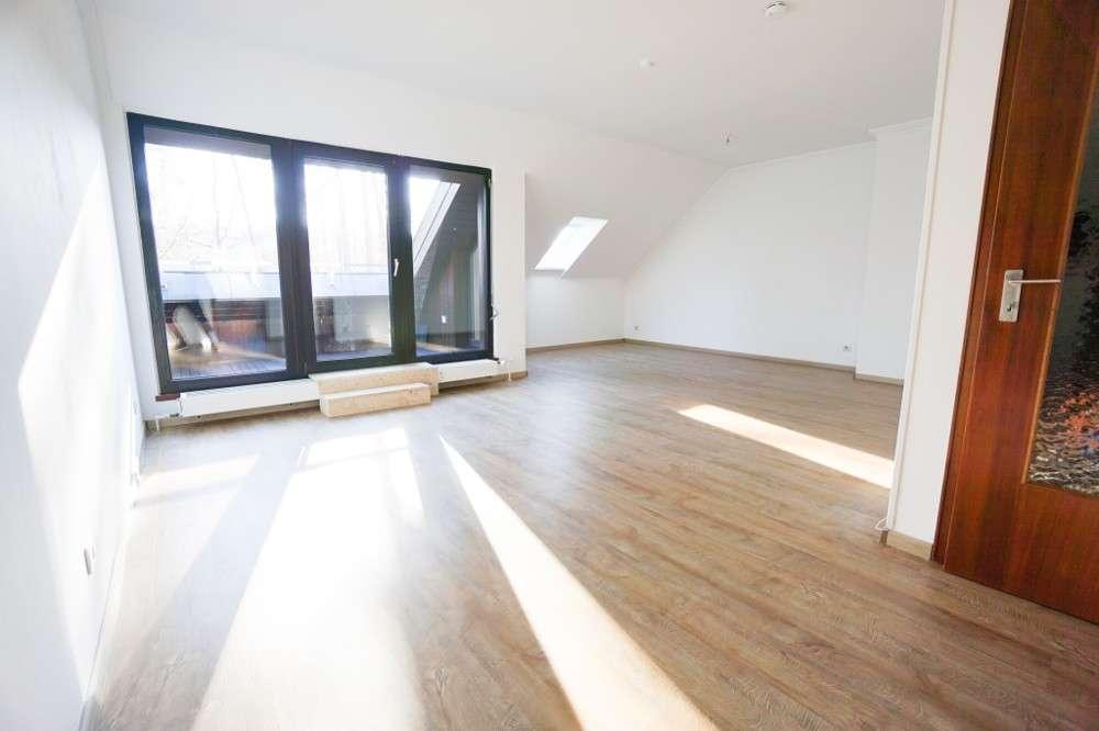 ++ Gemütliche 3-Zi.-Wohnung mit Blick ins Grüne in SC-Wolkersdorf ++ in Wolkersdorf (Schwabach)