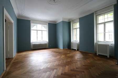 4-Zimmer-Altbauwohnung in denkmalgeschützem Haus im lebendigen Neuhausen in Neuhausen (München)