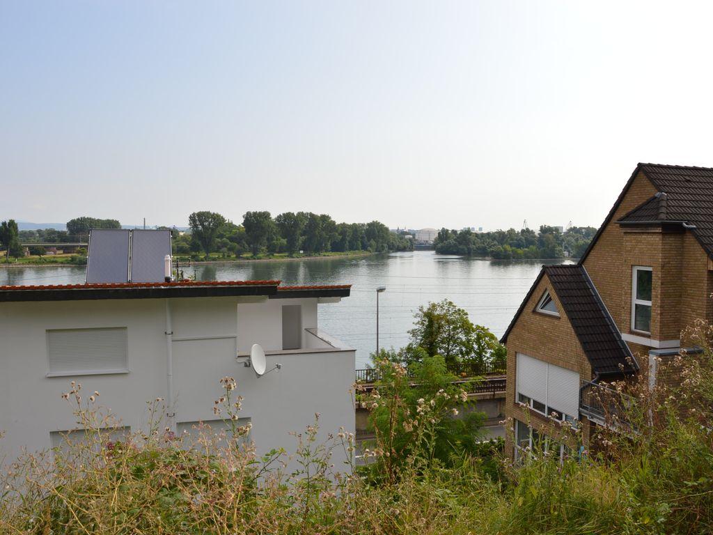 Unverbaubarer Rheinbllcik