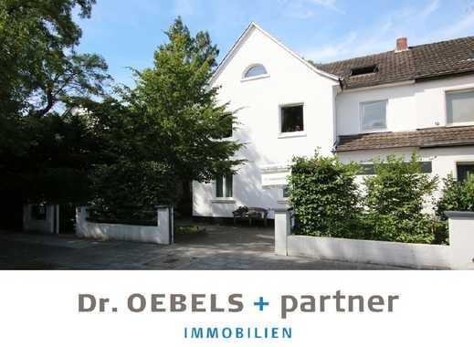Ein-/ Zweifamilienhaus mit idyllischem Garten...