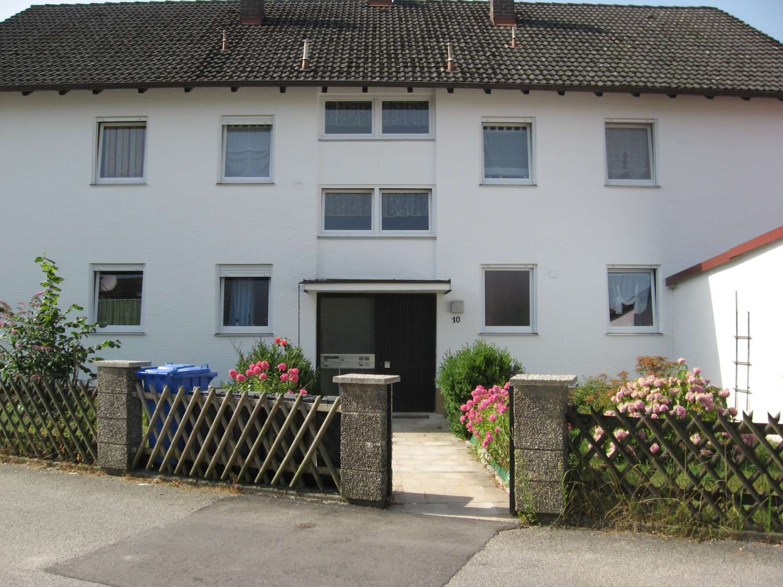 Ruhige & sonnige Wohnung im ersten Stock mit Blick ins Grüne (##Erstbezug nach Renovierung##) in Mettenheim (Mühldorf am Inn)