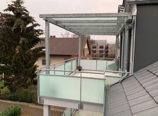 Schöne Dachgeschosswohnung mit zwei Balkonen