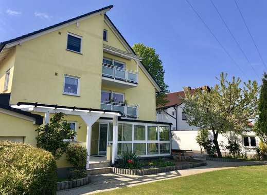 5-Zimmer-Erdgeschosswohnung mit eigenem Garten, EBK, 1 Garage + 2 Stellplätze