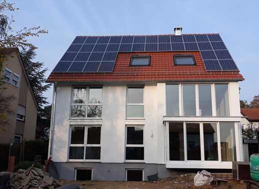 Exklusive, neuwertige 3-Zimmer-Wohnung mit Balkon und EBK in Stuttgart