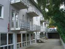 Bild Zum Mieten - ein überdachter Außen-PKW-Stellplatz in der Nähe von Fußgängerzone
