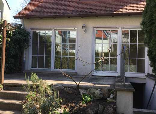 Schöne Doppelhaushälfte mit vier Zimmern in Nürnberg, Eibach
