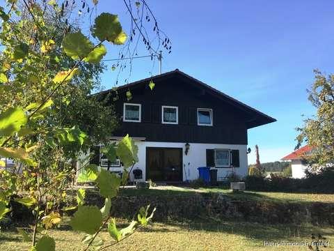 Viel Platz Einfamilienhaus Auf Grossem Grundstuck Mit Terrasse