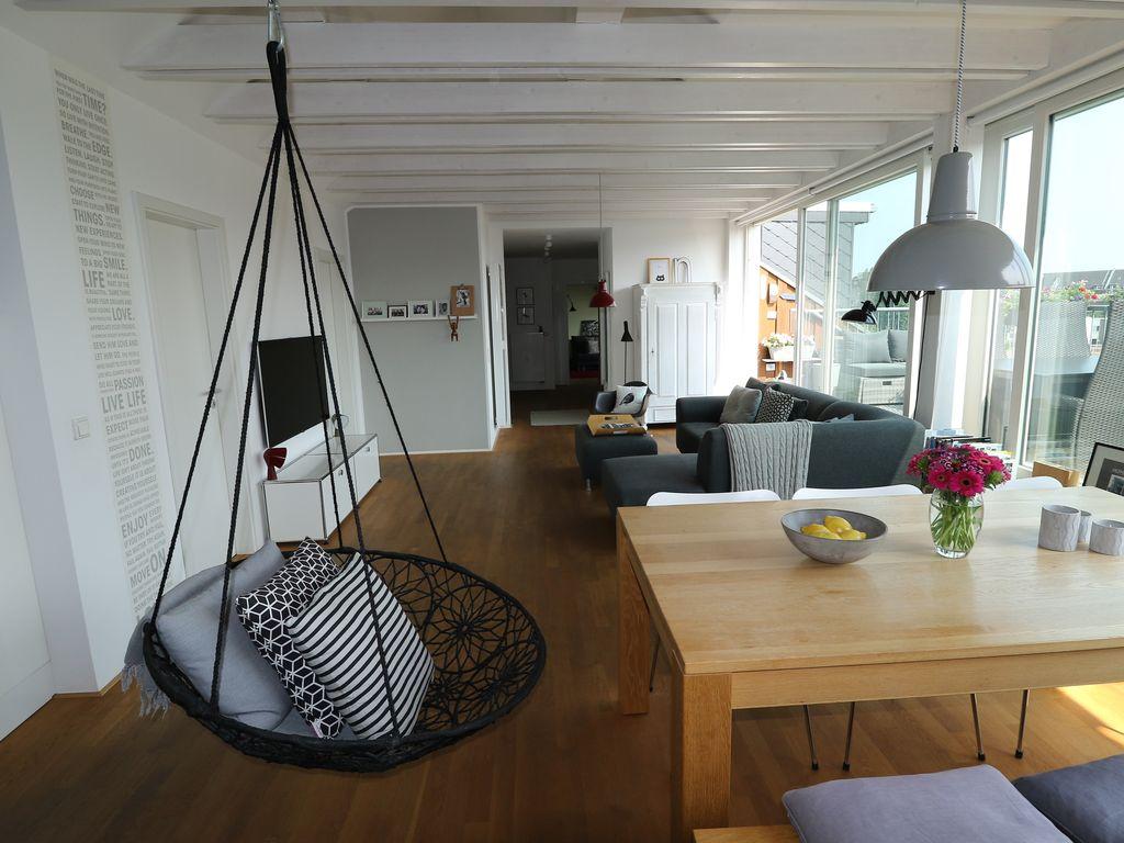 Traumhafte 4-Zimmer Wohnung mit großer Dachterrasse von privat