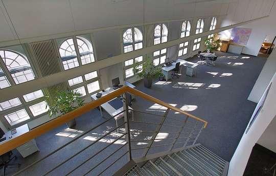 Blick aufs Großraumbüro