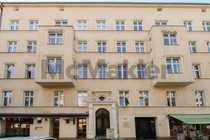 Altbaucharme nahe dem Savignyplatz 4-Zimmer-Wohnung