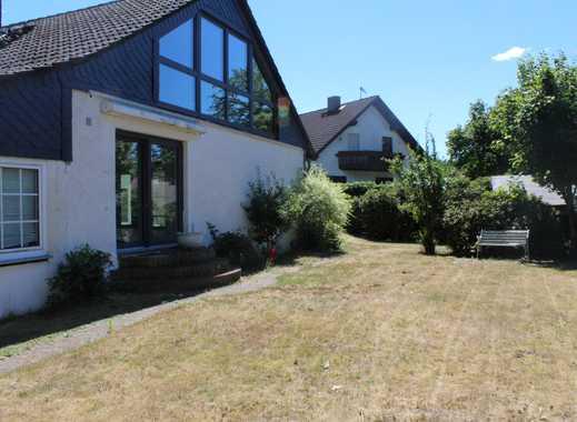 Großzügiges Einfamilienhaus mit schönem Wintergarten in ruhiger Wohnlage!
