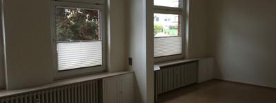 Schöne 3-Zimmer-Erdgeschosswohnung mit überdachtem Balkon und Einbauküche in Minden