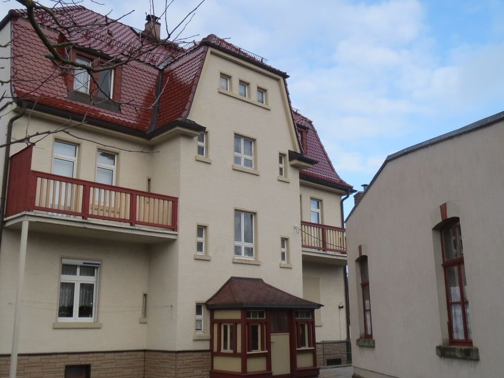 Rückansicht -WF& Balkone im OG
