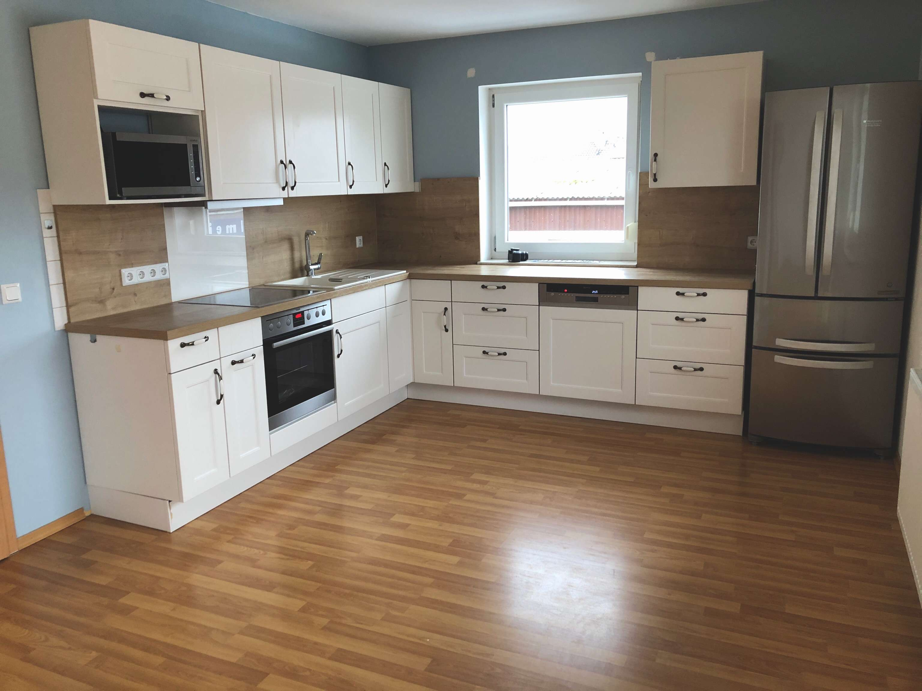 Neuwertige 3-Zimmer-Wohnung mit Balkon und Einbauküche in Straßkirchen in Straßkirchen