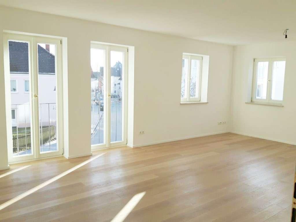 Hochwertige zwei Zimmer Wohnung, zentrale Lage in Ebersberg