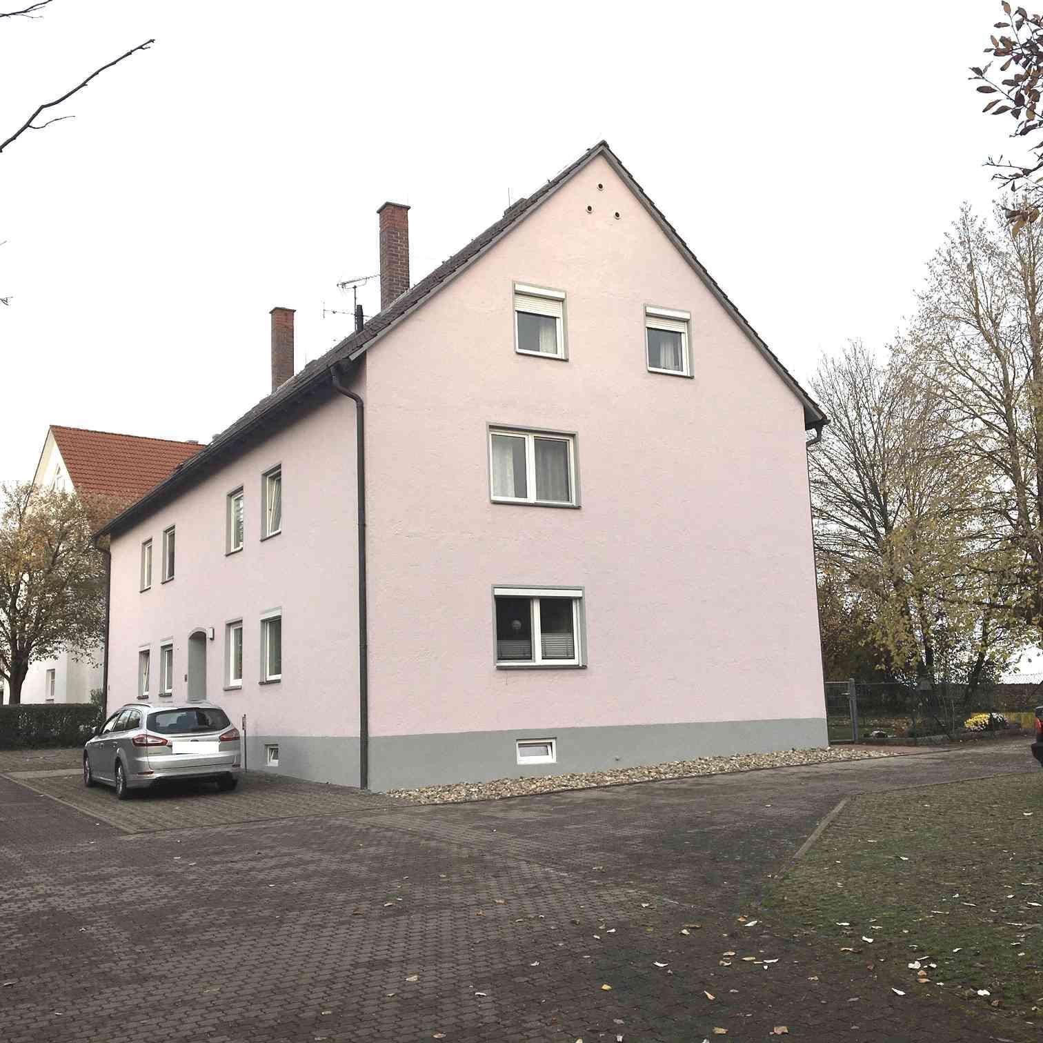 Günstig in eine 3-Zimmer-Dachgeschosswohnung in Neuburg an der Donau