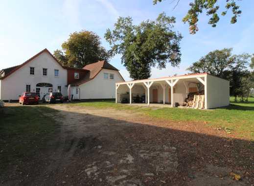 Große Doppelhaushälfte in ruhiger und grüner Lage