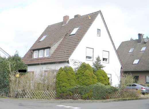 Wohnhaus mit Garage und Kaufgrundstück
