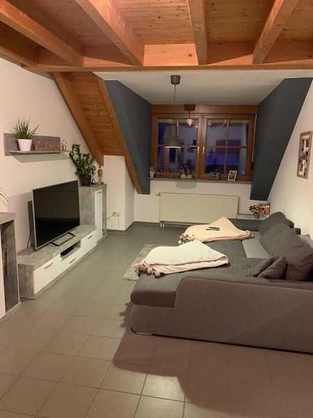 Helle Dachgeschosswohnung, ca. 60 m2 in Goldbach in Goldbach (Aschaffenburg)