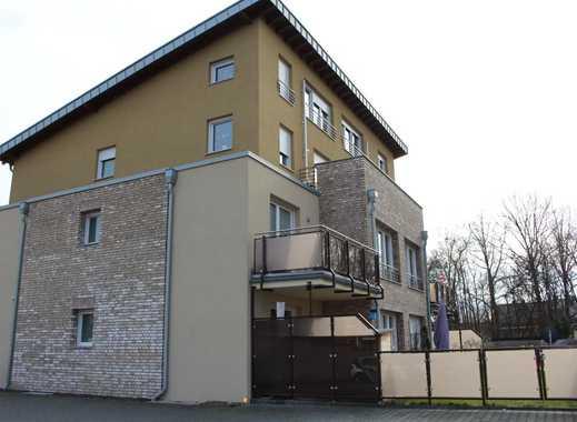 moderne 4,5 Zimmer Wohnung über 2 Ebenen mit 2 Bädern, Terrasse u. eigenem Garten