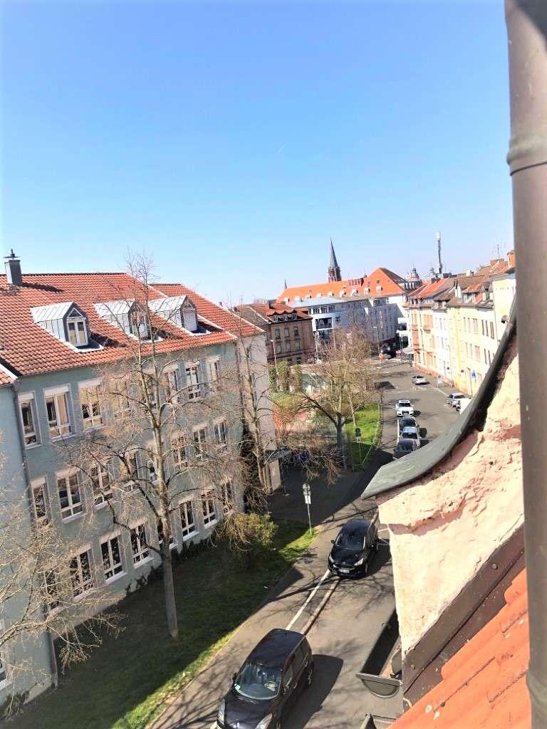 3,5-Zimmer-Wohnung über den Dächern von Aschaffenburg! in