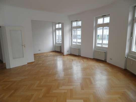 City-Lage: 4-Zimmer Wohnung in Braunschweig, Bankplatz 5