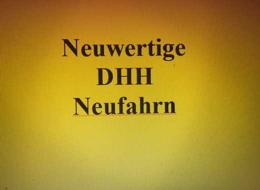 Neuwertige DHH in ruhiger Lage